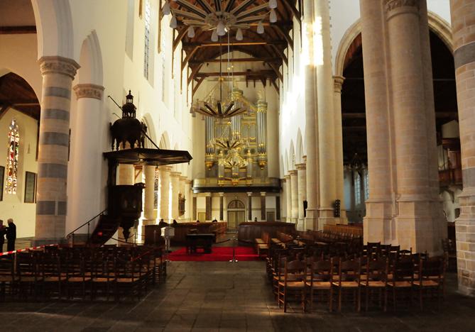 Interieur Oude Kerk Delft